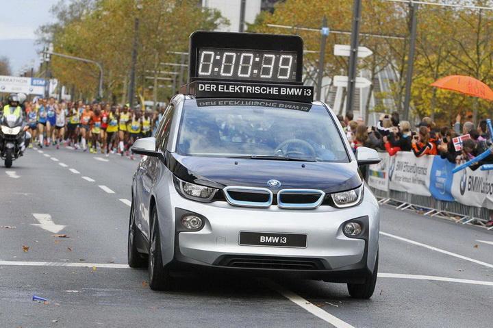 厚积薄发 倡导绿色出行 宝马发力新能源汽车市场