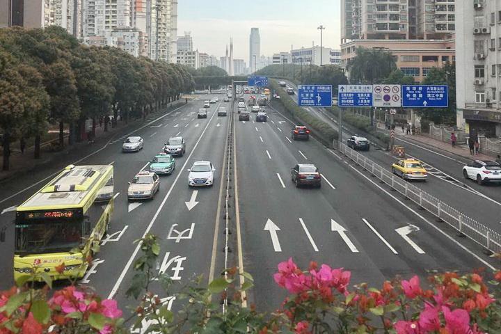 广州市中小客车管理调控 取消指标对排量的限制