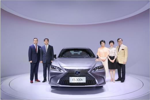 LEXUS携中大型豪华行政级轿车全新ES亮相2018深港澳国际车展