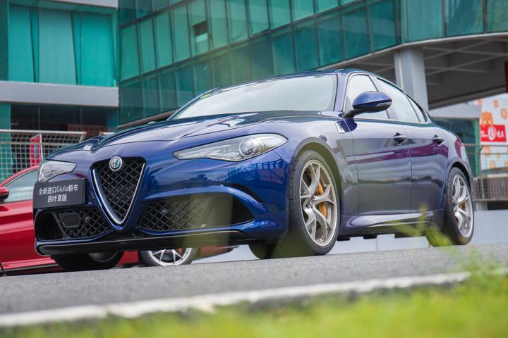 百年赛道魂 Giulia四叶草版刷新珠海赛道最快记录