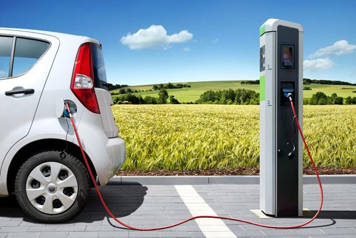 """""""四停四开""""实施 选这几款新能源车能省5万"""
