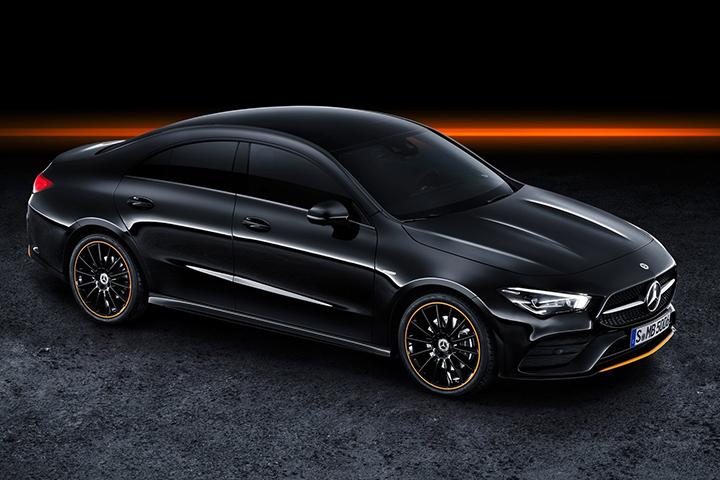 要买A3、1系的先等等!全新奔驰CLA海外首发,看车门就知道不简单!