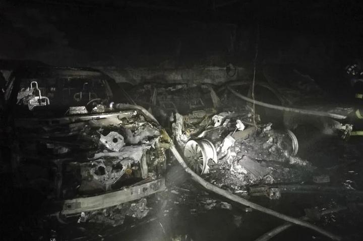 上海一辆特斯拉在车库自燃,事故原因正在调查