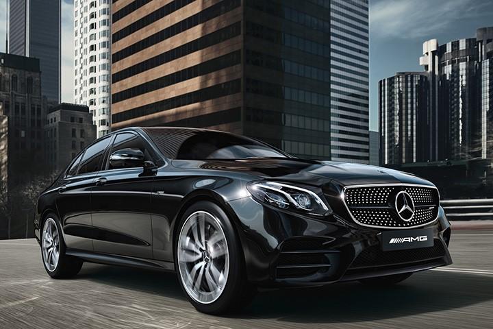 "V6双涡轮增压,4.5秒破百,没有""一人一机""的AMG E53还值得买吗"