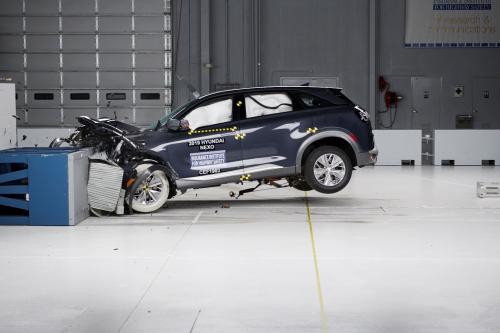 """现代氢燃料电池车NEXO获IIHS""""顶级安全车+""""评级"""