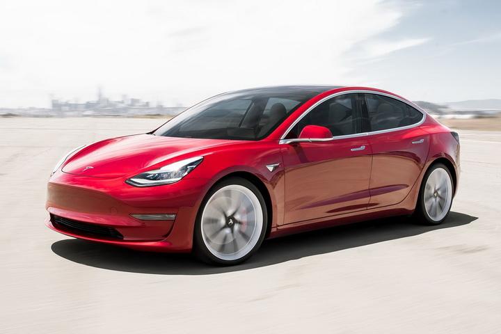 当之无愧的纯电标杆,特斯拉最亲民的轿车,Model 3实力如何?