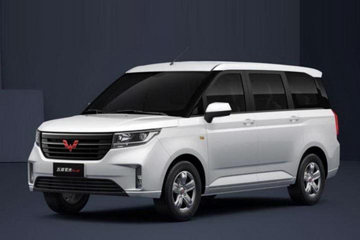 前置后驱MPV车型,售价6.58万起,全新五菱宏光PLUS正式上市