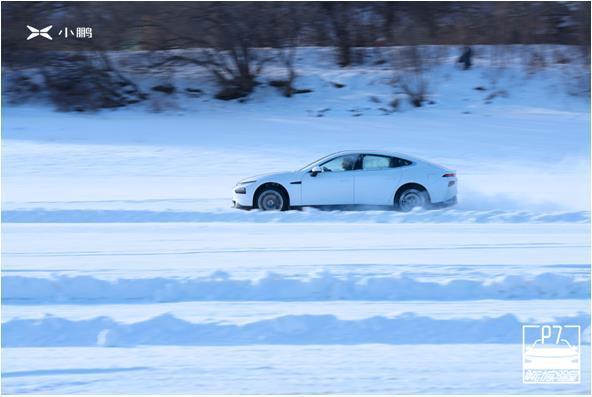 小鹏P7沐风浴雪,征服冰雪赛道及-40℃严寒工况