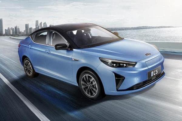 江淮纯电轿跑定名iC5 将于2月26日线上预售