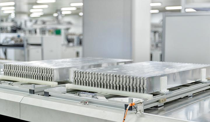 """比亚迪""""刀片电池""""问世,率先搭载在汉EV,6月投产上市"""
