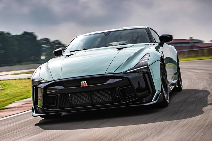 造型宛若概念车,售价近800万元!日产GT-R 50量产版发布