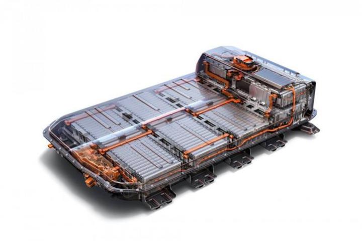 深圳电动货车追尾起火 电池安全再次引发深思