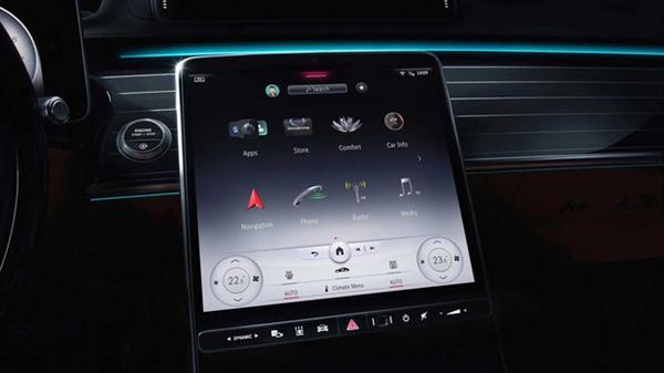 全新奔驰S级车机系统亮相:AR实景+抬显+五屏联动