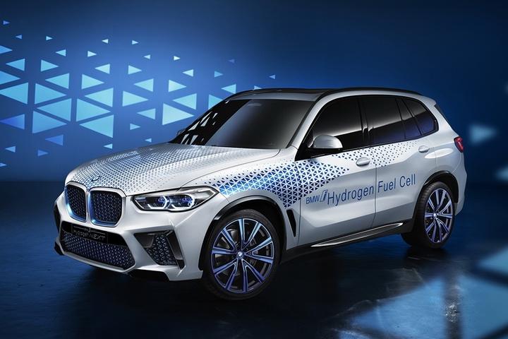 宝马首款氢燃料SUV,充气3分钟可跑500km, 并与丰田携手合作