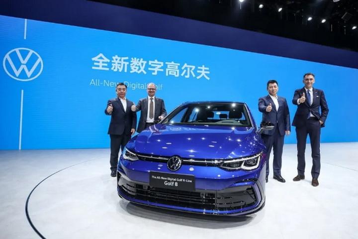 第八代高尔夫北京车展开启预售,带911同款档把,数字化娱乐座舱