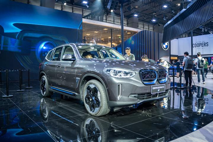 满足预期所想,广州车展实拍全新BMW iX3