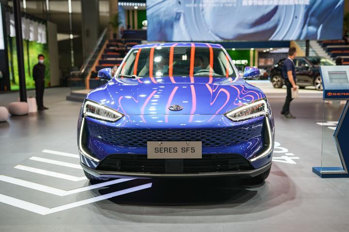 造型前卫质感豪华,广州车展实拍赛力斯SF5