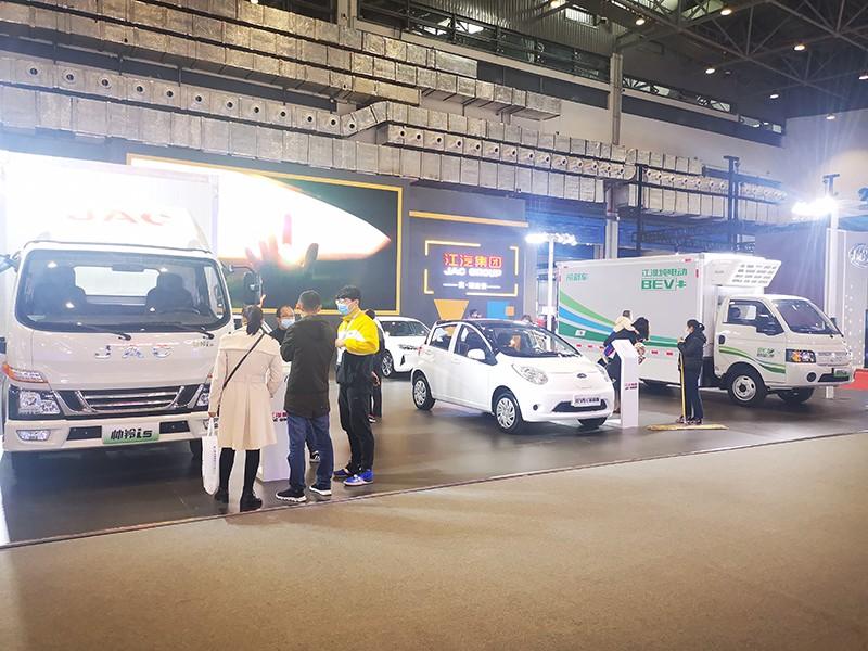 开年首秀 江淮新能源商用车闪耀2021海口新能源车展