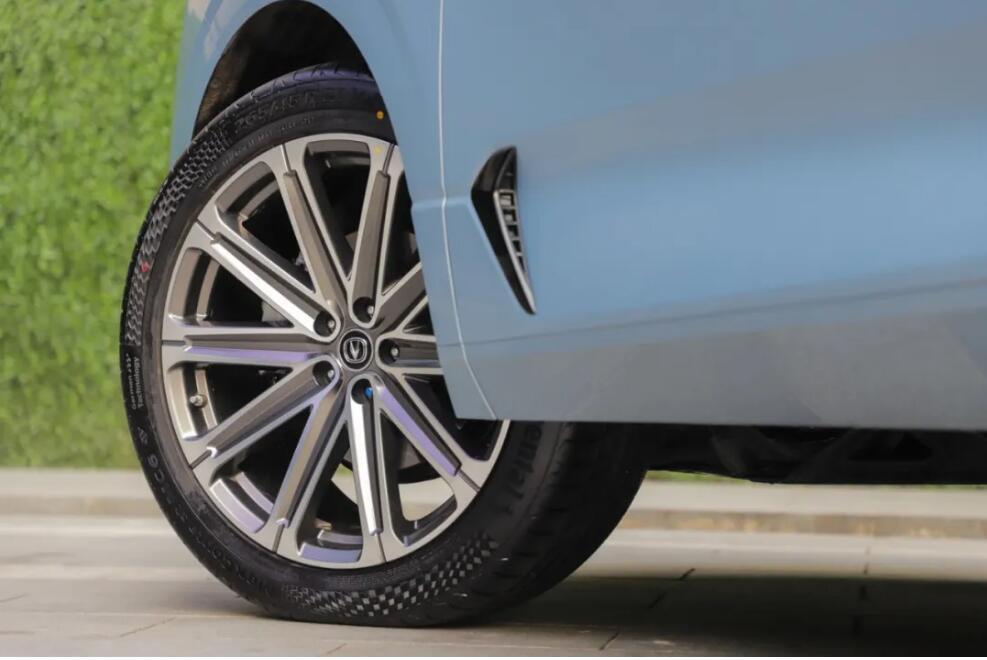 实力越级,UNI-K全方位刷新中大型SUV价值标杆
