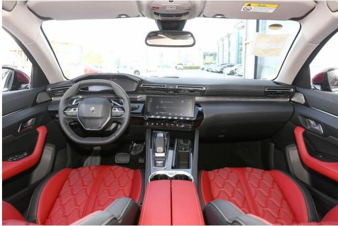 新法式锋锐设计,让东风标致全新4008 PHEV 4WD成为年轻人的首选