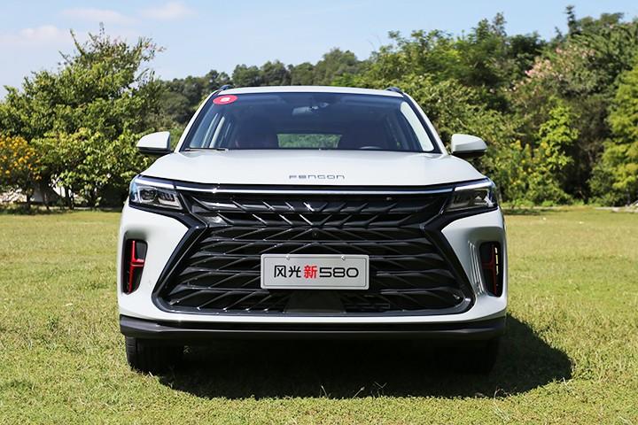十万级6座家用SUV新选择 试风光新580